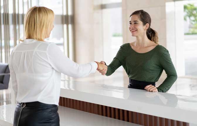 Diplôme Hospitalité: Accueil et expérience client DIE7400A